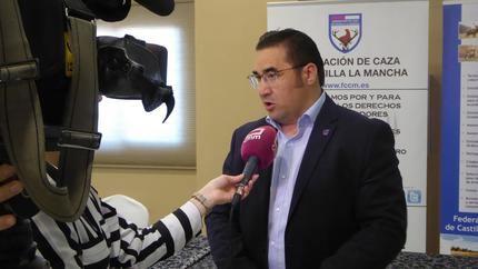 """El presidente de la Federación de Caza de CLM pide """"al gobierno que venga"""" que apoye la caza con hechos"""