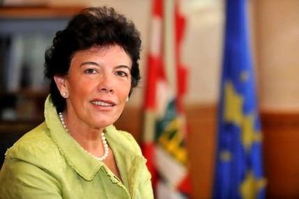 La ministra Celaá sigue creando más incertidumbres que certezas en relación con el curso 2020/21