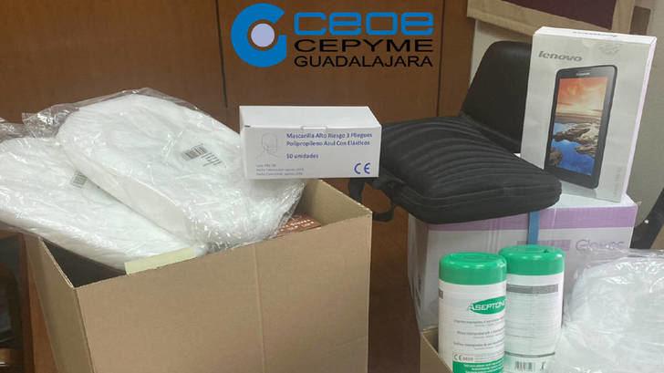Los empresarios de Guadalajara donan 40.000 guantes, 4.000 mascarillas y 500 litros gel para el coronavirus