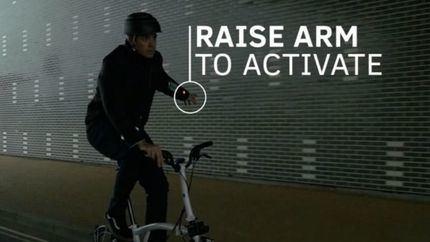 Una chaqueta inteligente ayuda a los ciclistas en la conducción