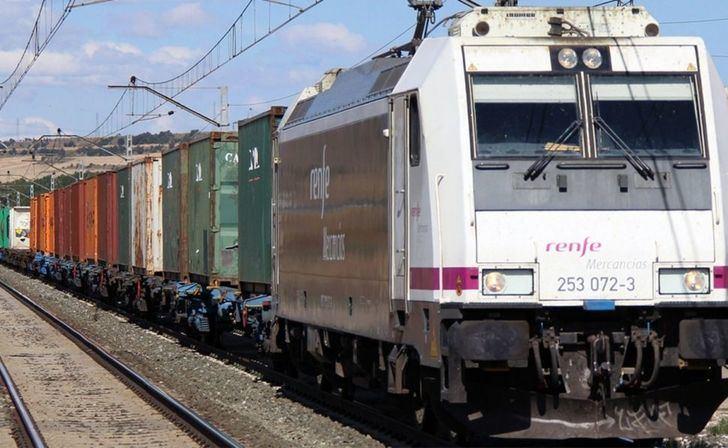 El servicio de Cercanías continuará interrumpido al menos hasta el mediodía de este domingo