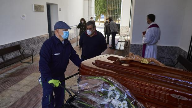 """Castilla-La Mancha es la segunda comunidad autónoma de España con """"más muertos ocultos y no reconocidos"""" por coronavirus"""