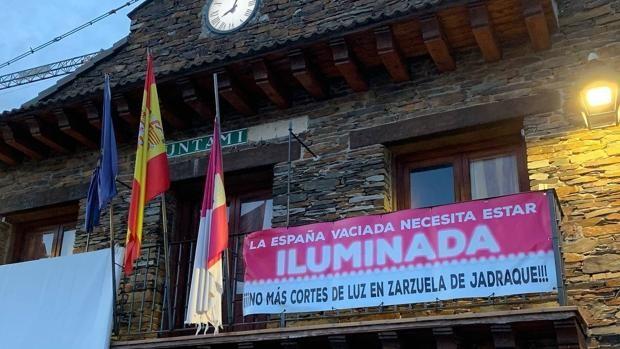 """Izquierda Unida reclama una solución a los """"continuos"""" cortes de luz en pueblos de la Sierra Norte de Guadalajara"""