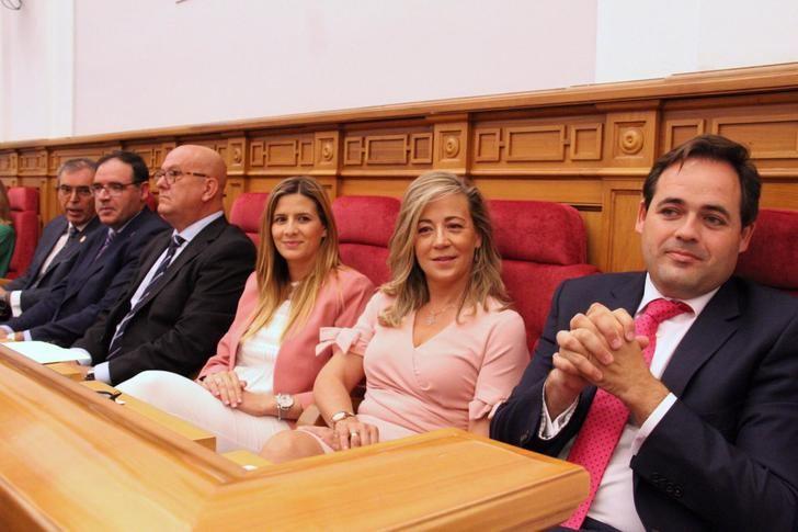 Núñez asegura que el Grupo Parlamentario Popular ejercerá como líder de la oposición en positivo