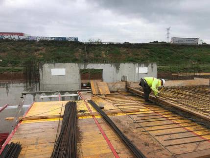 Ayer se retomaron las obras de construcción del nuevo depósito de agua de Azuqueca tras las dos semanas de parón de las actividades no esenciales