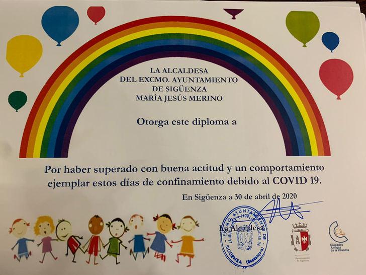 UNA APLAUSO : Sigüenza reconoce el comportamiento ejemplar de sus niños y niñas durante el confinamiento