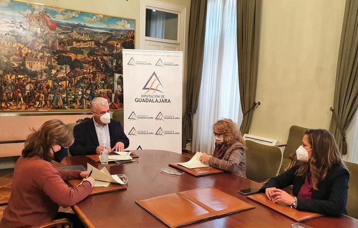 La Diputación de Guadalajara ayuda con 10.000 € al mantenimiento y actividades de la Federación Provincial de Jubilados