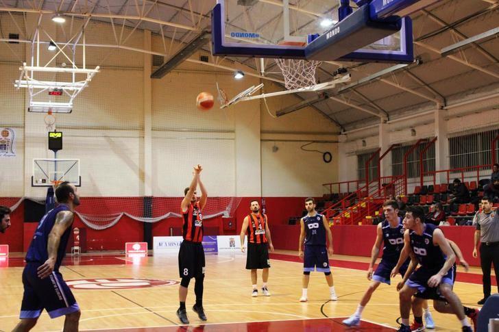 Distrito Olímpico creyó más que el Isover Basket Azuqueca y se llevó la victoria