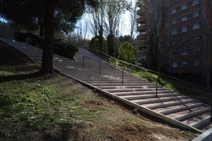 El Ayuntamiento de Guadalajara arregla la escalera que conecta las calles Constitución y Alameda