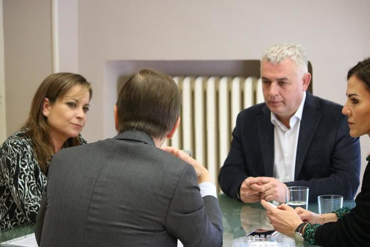 La Diputación y los Farmacéuticos de Guadalajara avanzan en su nuevo convenio