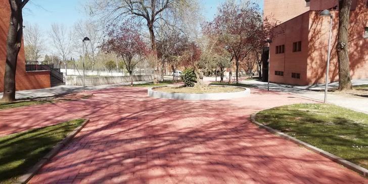 El Plan de Empleo ejecuta un arreglo integral del parque de la calle Hermanos Fernández Galiano de Guadalajara mejorando su accesibilidad