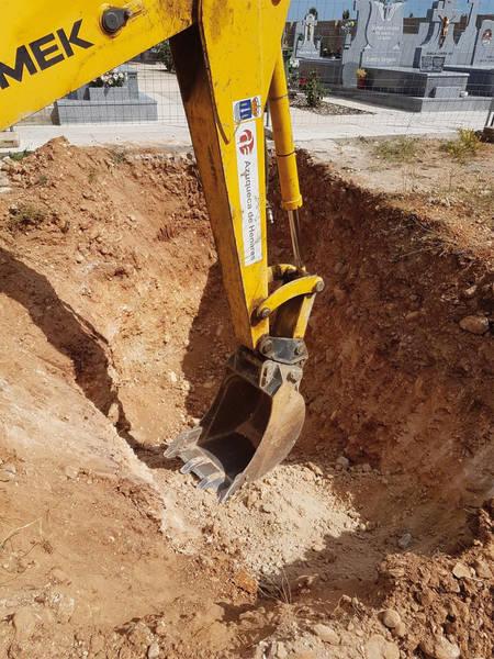 El Ayuntamiento de Azuqueca construye 22 nuevas fosas en el Cementerio municipal