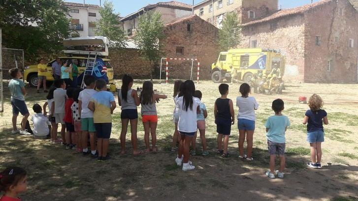 Geacam desarrolla una jornada de educación ambiental a un grupo de alumnos en Checa