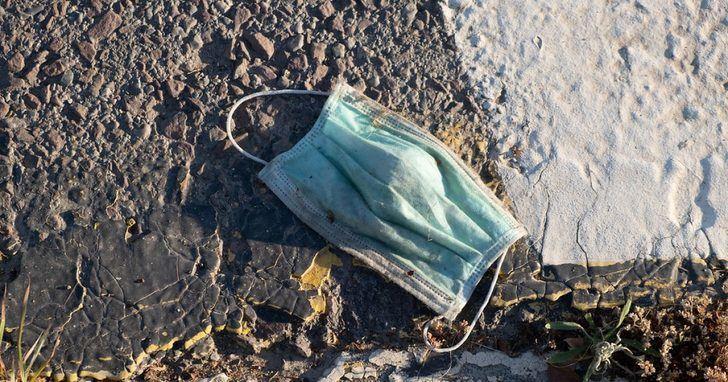 España ha producido más de 1.300 toneladas de plástico por las mascarillas desechables