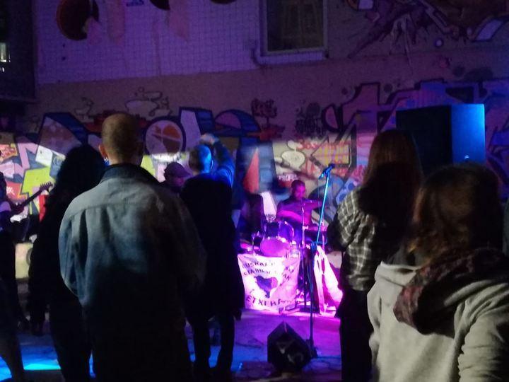 """Denuncian símbolos y gritos """"proetarras"""" durante un concierto patrocinado por el Ayuntamiento de Cabanillas"""