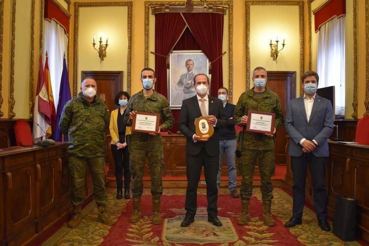 El Ayuntamiento de Guadalajara agradece al Ejército su colaboración en la retirada de hielo y nieve en la ciudad tras el paso de 'Filomena'