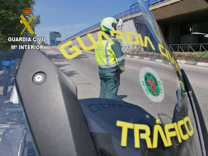 La Guardia Civil de Guadalajara investiga al conductor de un camión que sextuplicó la tasa de alcoholemia permitida