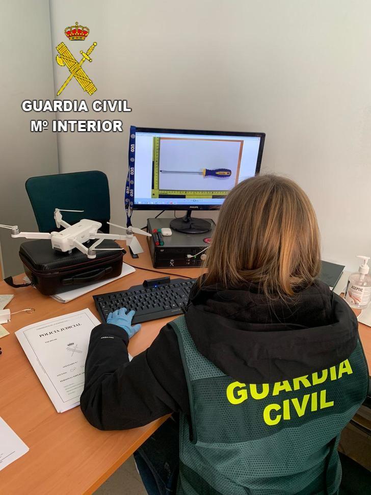 La Guardia Civil detiene a dos personas en Azuqueca de Henares como presuntos autores de un robo en un supermercado de Alovera