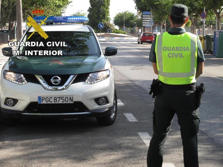 La Guardia Civil detiene a 2 personas por robo en un establecimiento comercial de Villanueva de la Torre