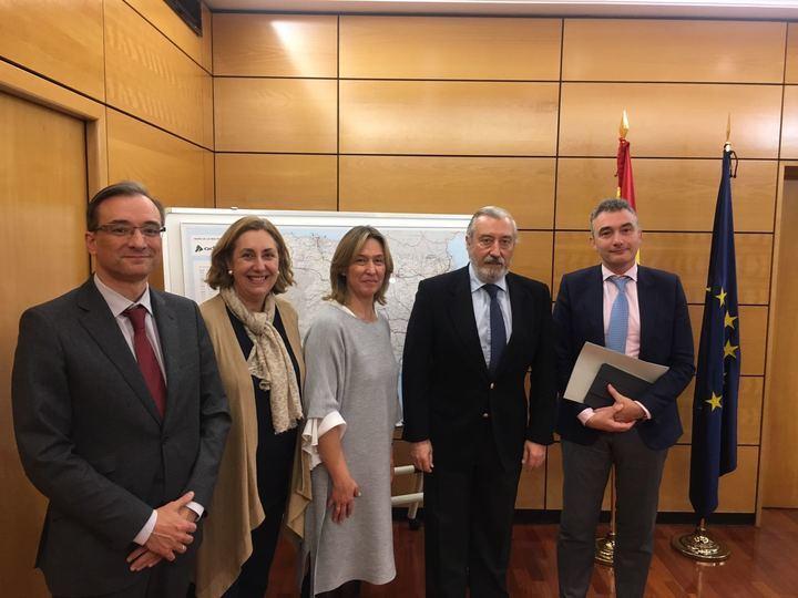 Guarinos traslada al Ministerio de Fomento la necesidad de agilizar importantes proyectos de infraestructuras para la provincia de Guadalajara