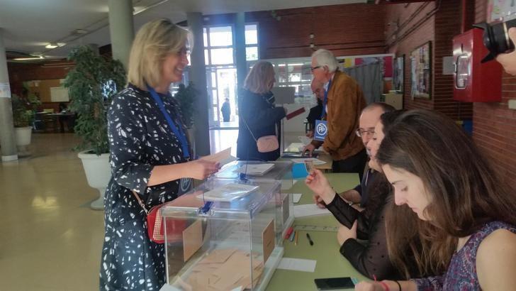 """Guarinos tras ejercer su derecho al voto : """"Sólo el Partido Popular garantiza la unidad y la concordia entre todos los españoles"""""""