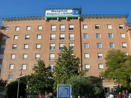 Atropellan a un bebé en un carrito que es trasladado grave al Hospital de Cuenca