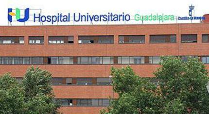 En el Hospital de Guadalajara una trabajadora de la limpieza, de 52 años, que ha resbalado por la nieve/hielo en Guadalajara