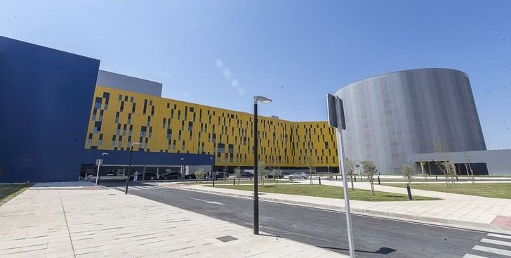"""Piden a Page que """"por humanidad"""" habilite espacios en el nuevo Hospital de Toledo después de que el Hospital de Parapléjicos, el Provincial y el del Valle estén completamente llenos"""