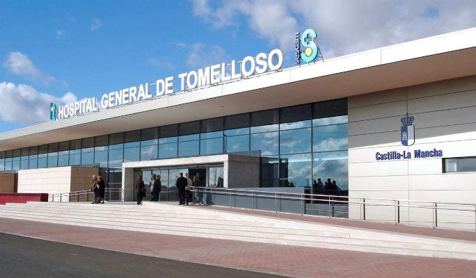 Dos médicos, una enfermera y una auxiliar agredidos en el Hospital de Tomelloso