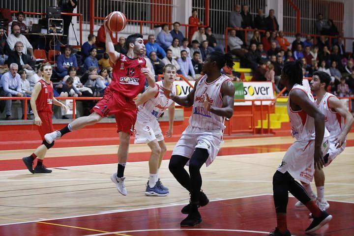El Isover Basket Azuqueca quiere apelar a La Paz para conseguir su primera victoria en esta fase
