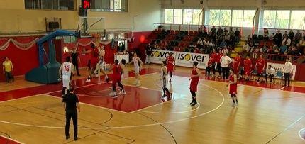 Al Isover Basket Azuqueca le sobró el útimo cuarto ante el Baket Navarra