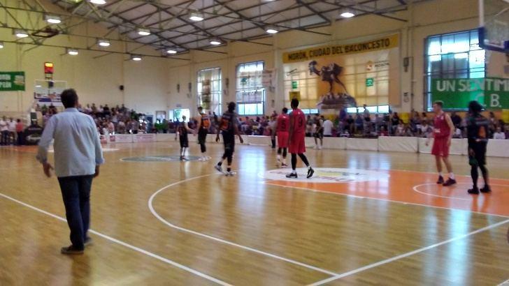 El Isover Basket Azuqueca da la sorpresa y consigue ganar en Morón en su debut en Leb Plata con un espectacular tercer cuarto