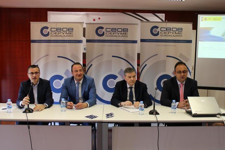 """Éxito de participación de la """"Jornada sobre Novedades Legislativas en materia laboral"""" organizadas por CEOE-CEPYME Guadalajara"""