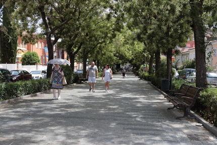 El paseo de Fernández Iparraguirre de Guadalajara cierra al tráfico 48 horas en sus números pares para permitir el arreglo del respiradero del parking de Santo Domingo
