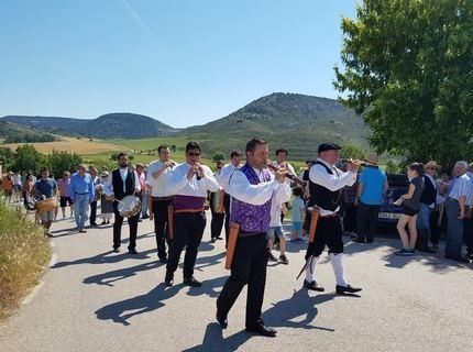 El presidente de la Diputación participa en Riba de Saelices en la Jornada de la Indumentaria Tradicional