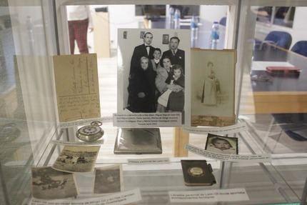 """Un emotivo acto lleno de familiares del homenajeado dota a la Biblioteca de Cabanillas de su nuevo nombre: """"León Gil"""""""