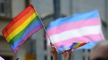 Lesbianas, gais, transexuales, bisexuales e intersexuales indignados con el portavoz de Page en Castilla La Mancha