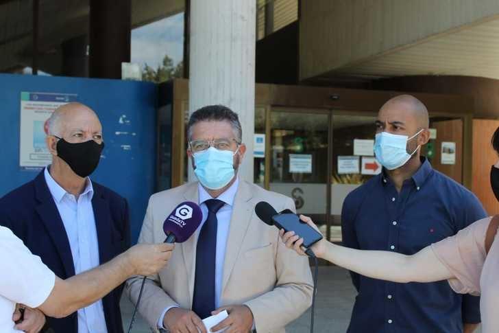 Reprochan a Page que la lista de espera quirúrgica en el Hospital de Guadalajara se haya duplicado desde que está al frente de la región