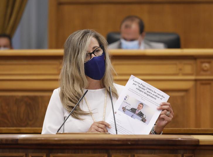 """Denuncian la """"gran irresponsabilidad"""" de Page al estar de vacaciones en plena pandemia del coronavirus"""