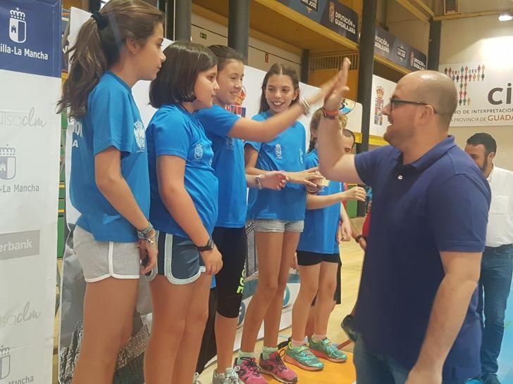 El diputado de Deportes participa en la Gala del Deporte en Edad Escolar celebrada en el Polideportivo San José