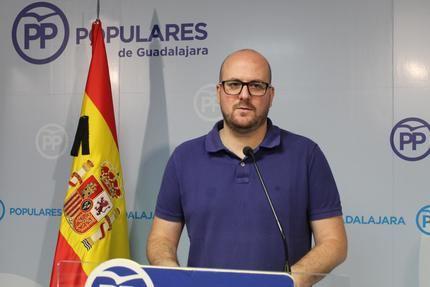Denuncian que el pacto de PSOE y Ciudadanos en Castilla La Mancha EXCLUYE a la sociedad civil y al principal partido de la oposición
