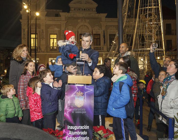 Cámaras, luces y acción : Comienza la Navidad en Guadalajara