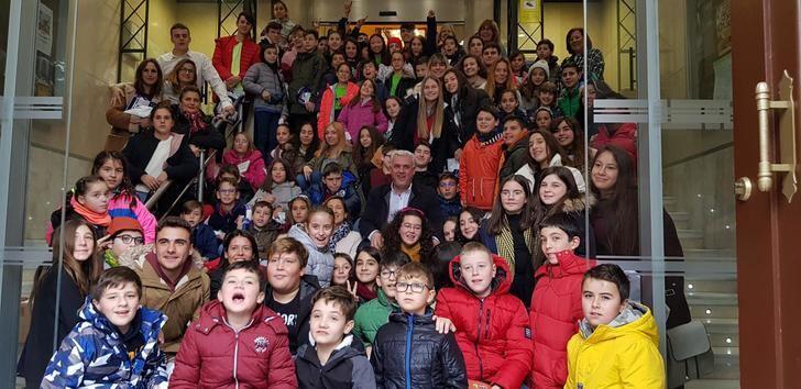 Cien niños de la provincia celebran en la Diputación de Guadalajara el 30 aniversario de la Convención sobre Derechos del Niño