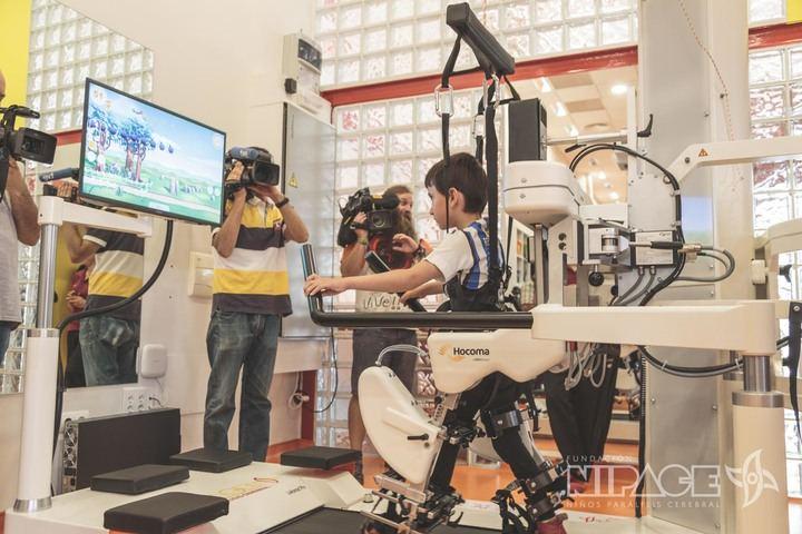 La Fundación Nipace de Guadalajara presenta el nuevo robot Lokomat