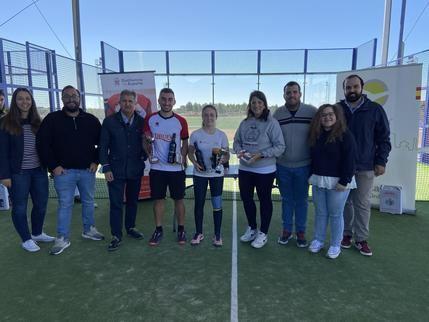 Nuevas Generaciones de Castilla-La Mancha congrega a más de 100 participantes en su torneo de padel solidario