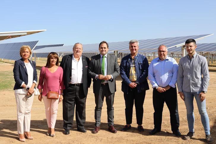 Paco Nuñez asiste a la inauguración de la Planta Solar Fotovoltáica de El Casar