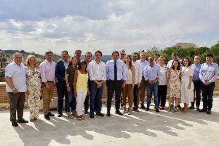 """Núñez anuncia una estrategia conjunta con las direcciones de los grupos provinciales del PP para tener una presencia """"masiva"""" en los actos sociales y con todos los colectivos de la región"""