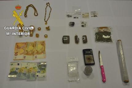 La Guardia Civil detiene a ocho personas por tráfico de drogas en cuatro centros de enseñanza de Azuqueca