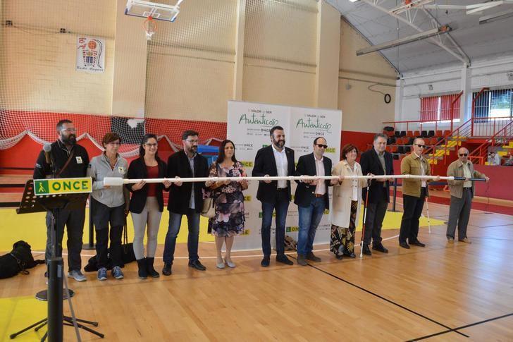 Azuqueca ha acogido el acto regional del Día Internacional del Bastón Blanco de la ONCE