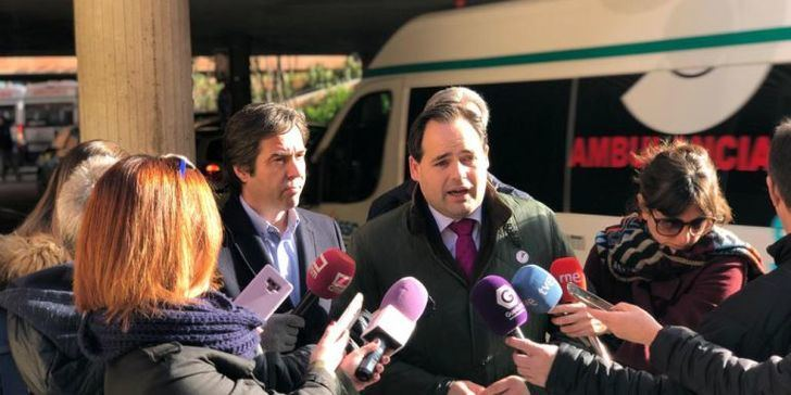"""Paco Núñez pondrá fin al contrato """"precario"""" del transporte sanitario que sufren en Guadalalajara, Albacete y Ciudad Real"""